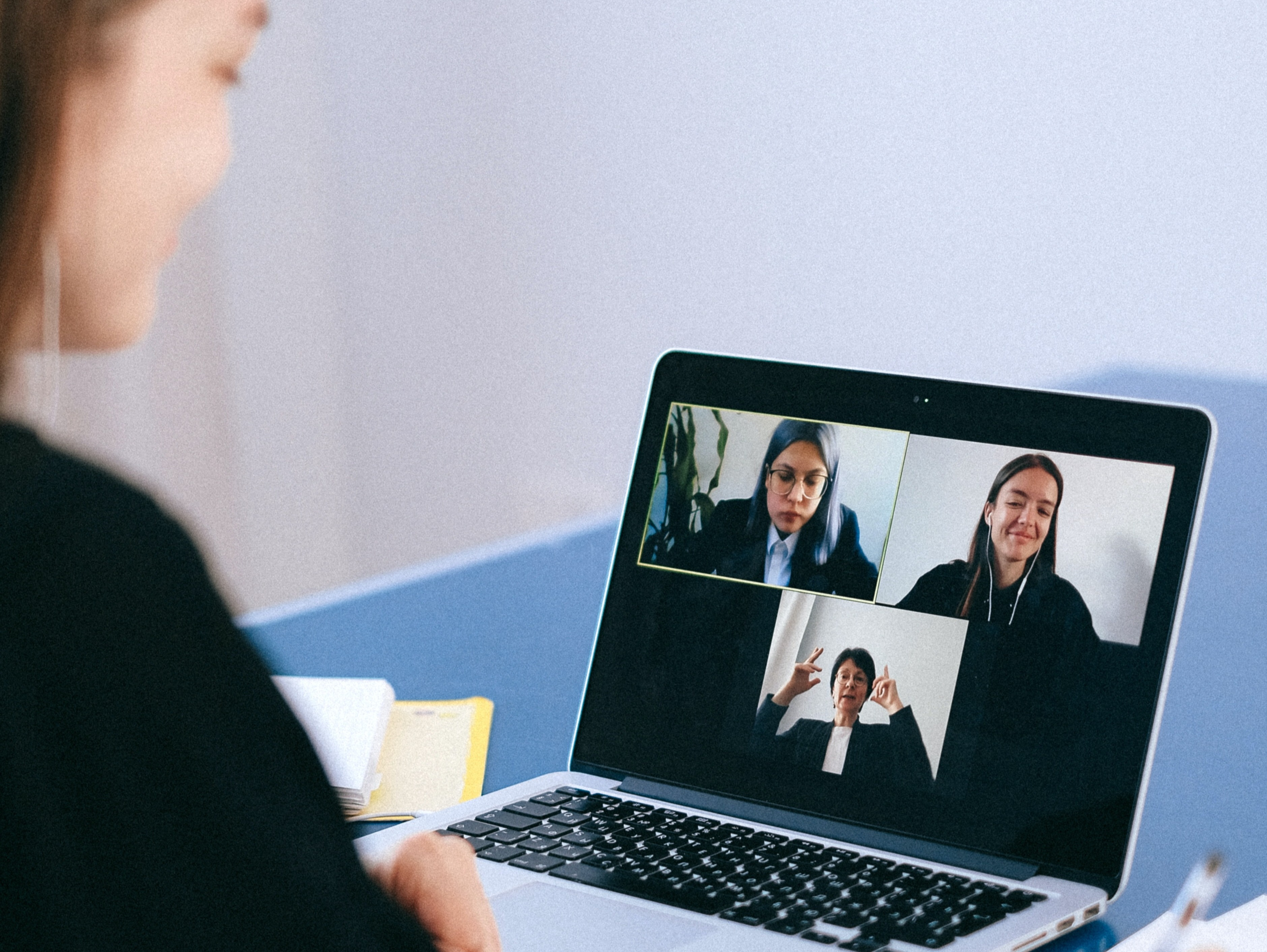 6 Best Practices for Video Remote Interpreters